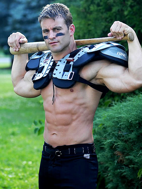 American Football Players Bulges http://www.athletesexposed.com/2011/03/31/muscular-american-football-player-matthew-g/