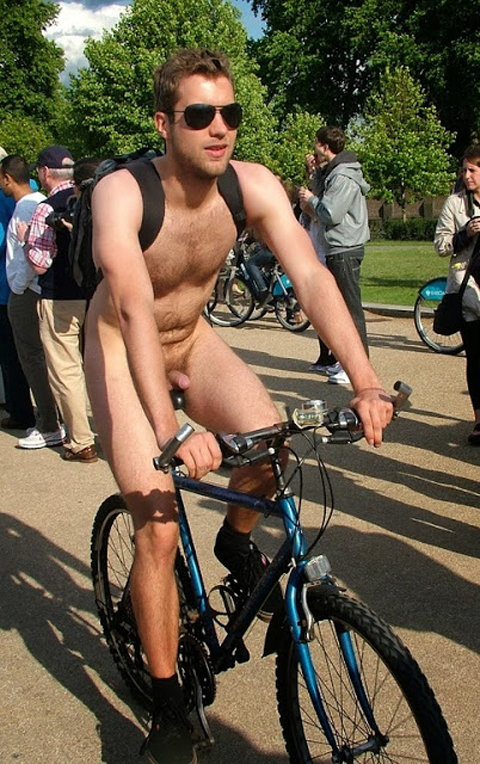 nude-cyclist-twink