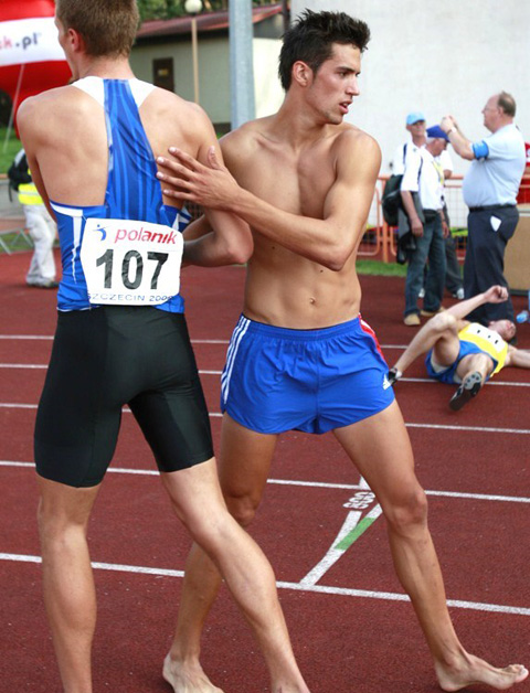 naked-athletes-track-and-field-013